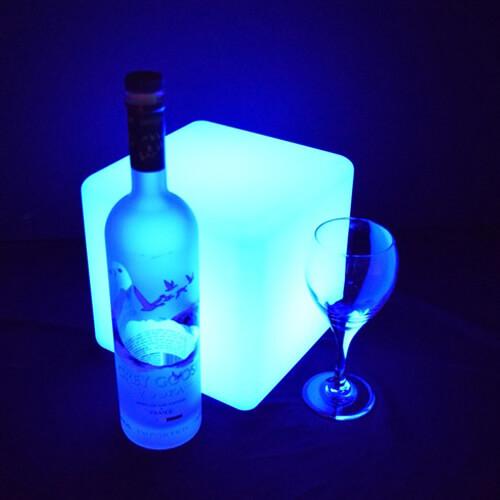 "Фото - 2 LED кубик ""10 см"""